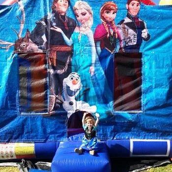 Mega Jumps - Frozen Jumping Castle